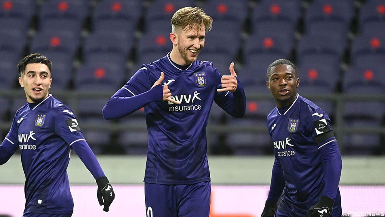 «Левен» отыгрался с 0:2 и не забил пенальти на 92-й минуте, но из-за фальстарта вратаря получил вторую попытку и победил