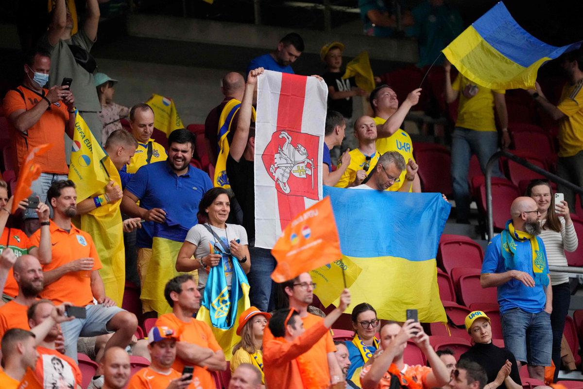 Эриксену – здоровья, украинским фанатам – спасибо за бчб. Первые впечатления от Евро