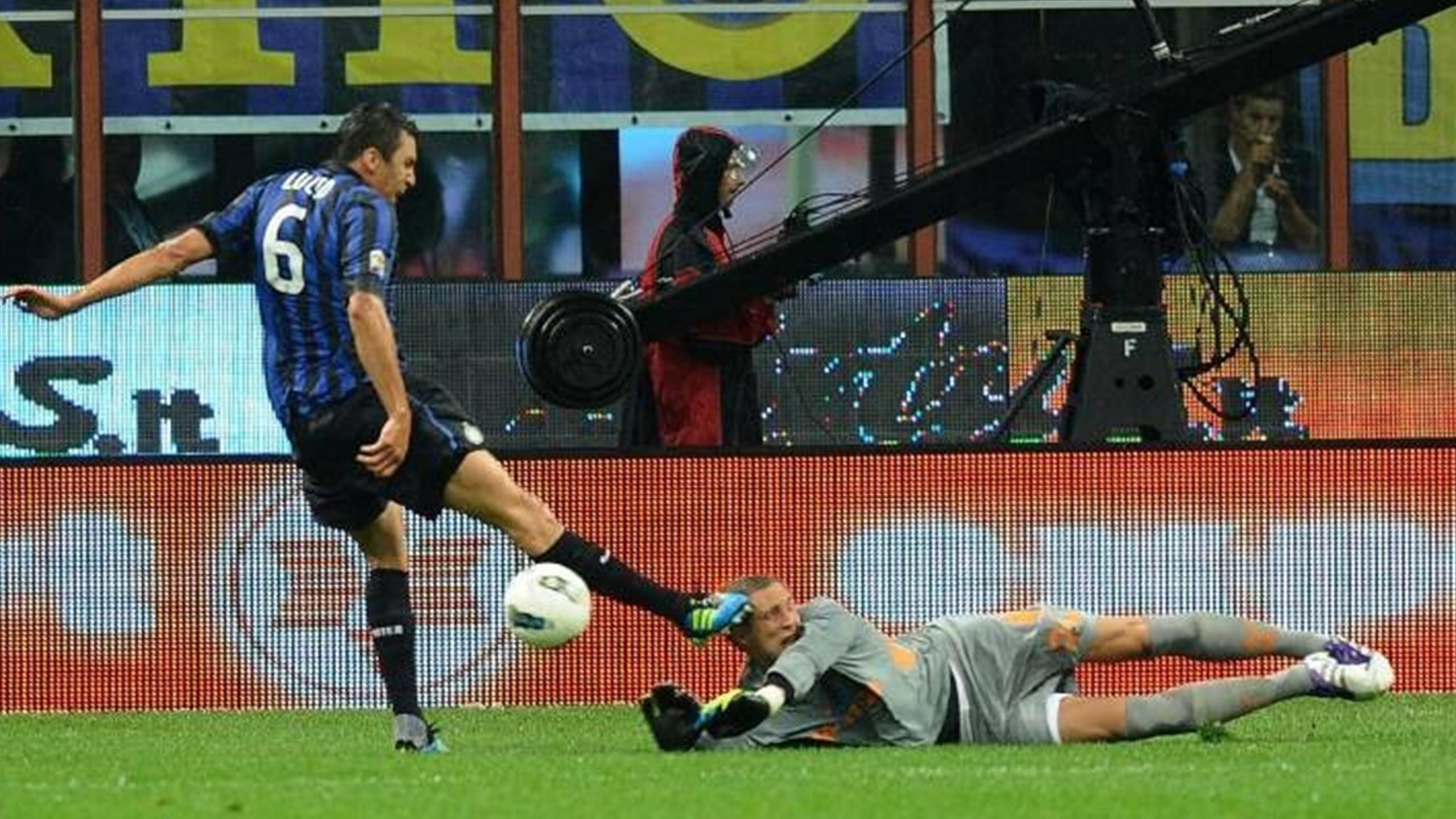 Стекеленбург не играл два года, а теперь стал основным «Аякса». Выйдет против«Ромы» – в Риме он получал в голову и удалялся