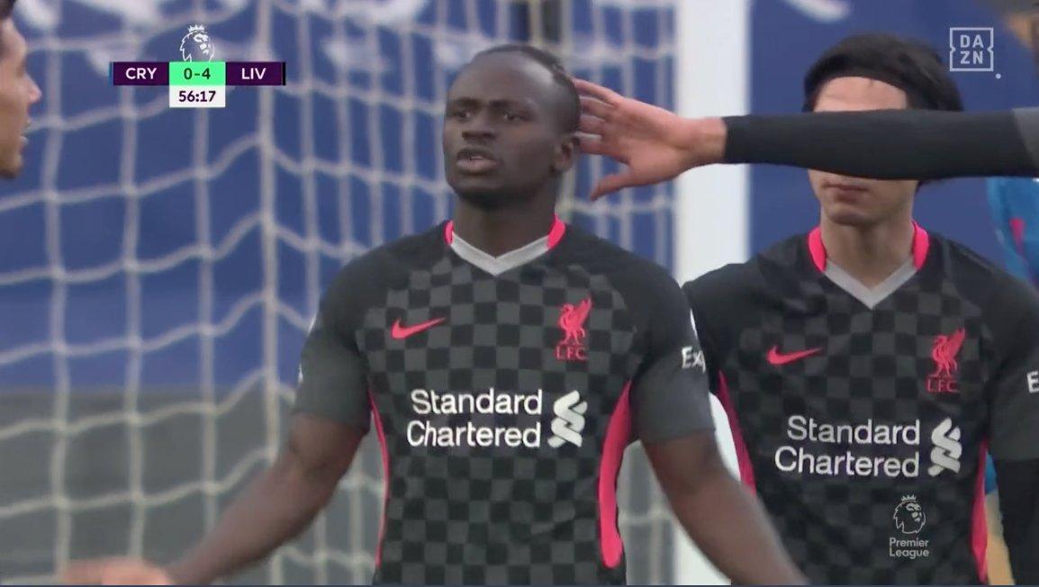 Театр в матче «Пэлас» – «Ливерпуль»: Мане негодует из-за замены, Ходжсон радуется седьмому голу соперника