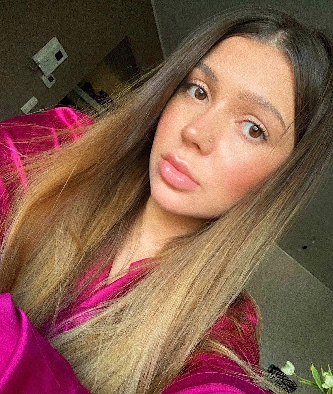 Кристина – жена Романа Яремчука. Форвард сборной Украины встречается с ней с 16 лет!