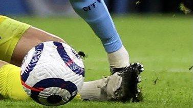 Фоден пострадал за честность: не завалился в штрафной, хотя вратарь попал в ногу – и не получил пенальти