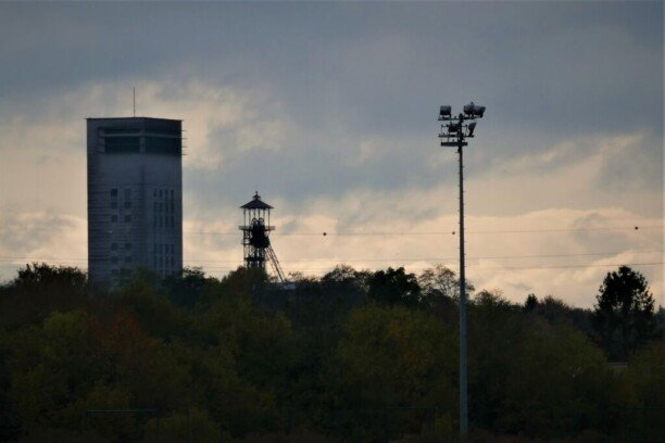 «Ланс» за успешный сезон подарил игрокам лампы шахтеров. Город был центром угольной промышленности Франции