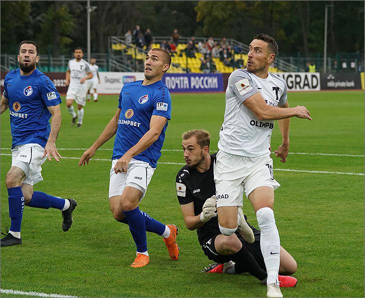 «Торпедо» ещё лидер, но «Оренбург» уже дышит ему в спину, «Спартак-2» -  третий. 10-й тур ФНЛ удался на славу!