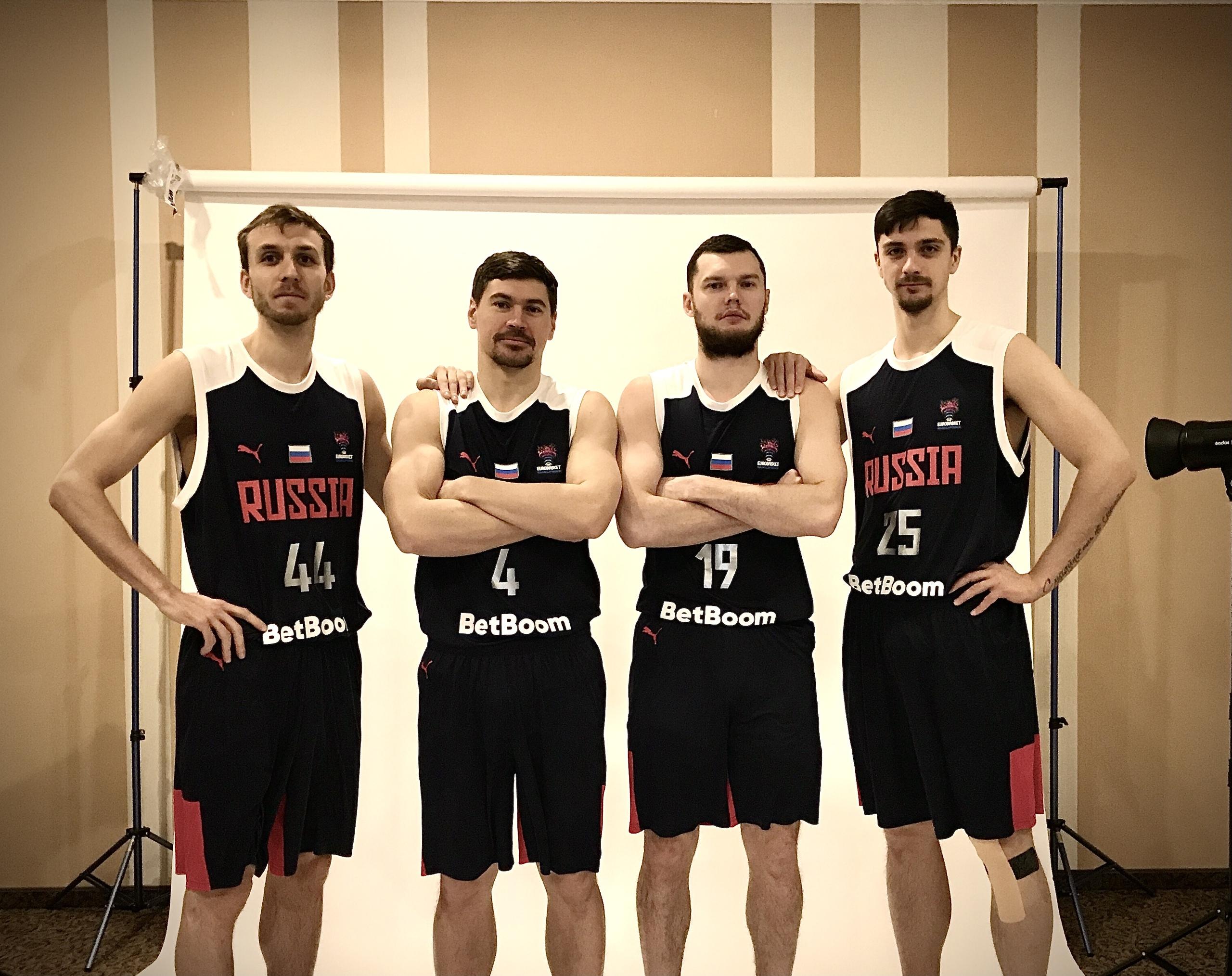 В сборной России новые лица. В Перми обновленная команда готовится выйти на Евробаскет-2022