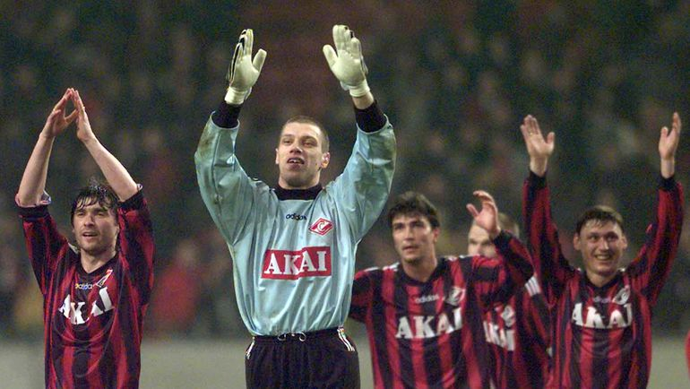 Дубль Ширко, издевательский удар Кечинова, стеночки-забегания. 23 года назад «Спартак» выиграл у «Аякса» в Амстердаме