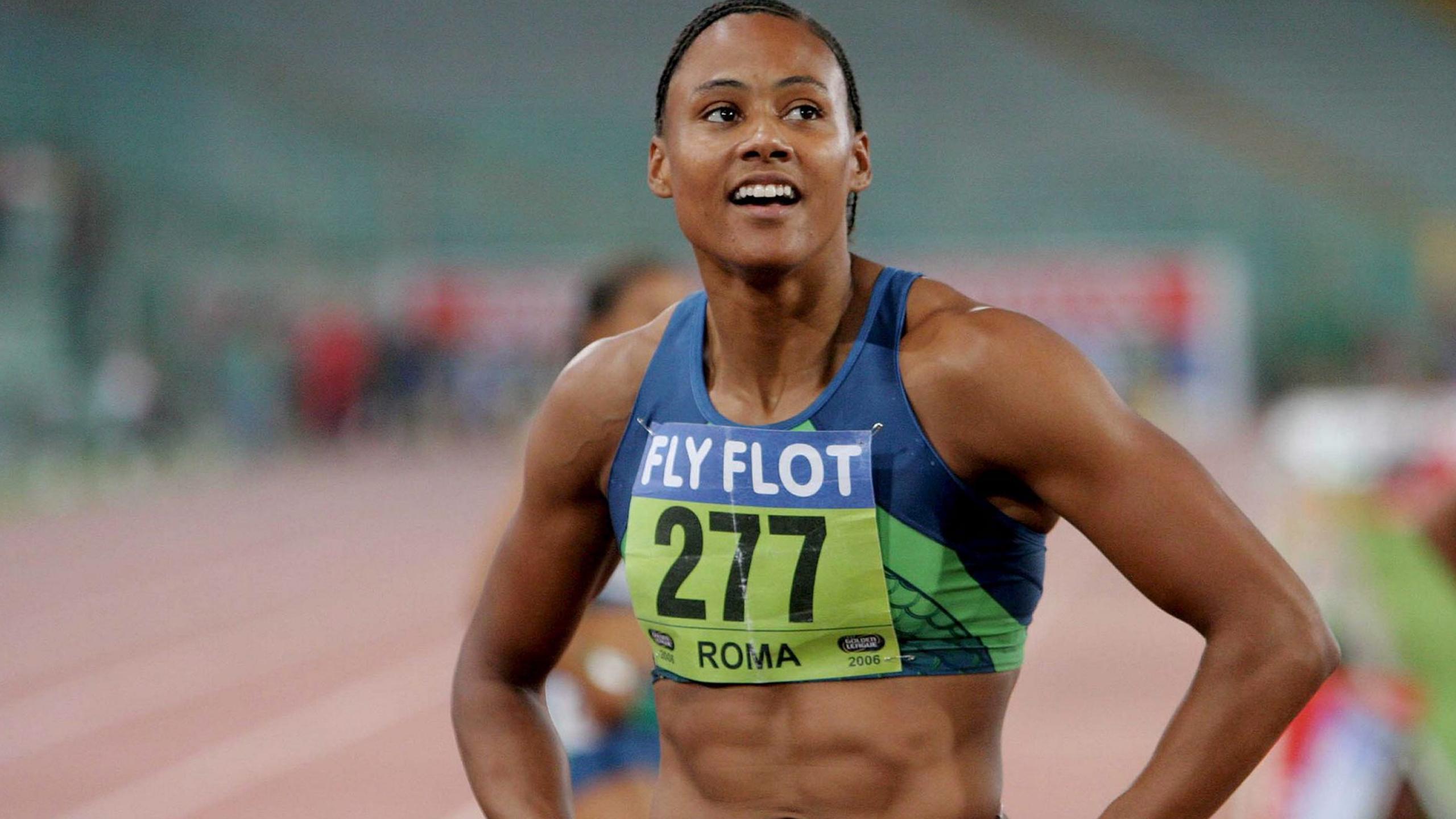 Она была иконой лёгкой атлетики, но закончила карьеру в тюрьме: что случилось с Мэрион Джонс