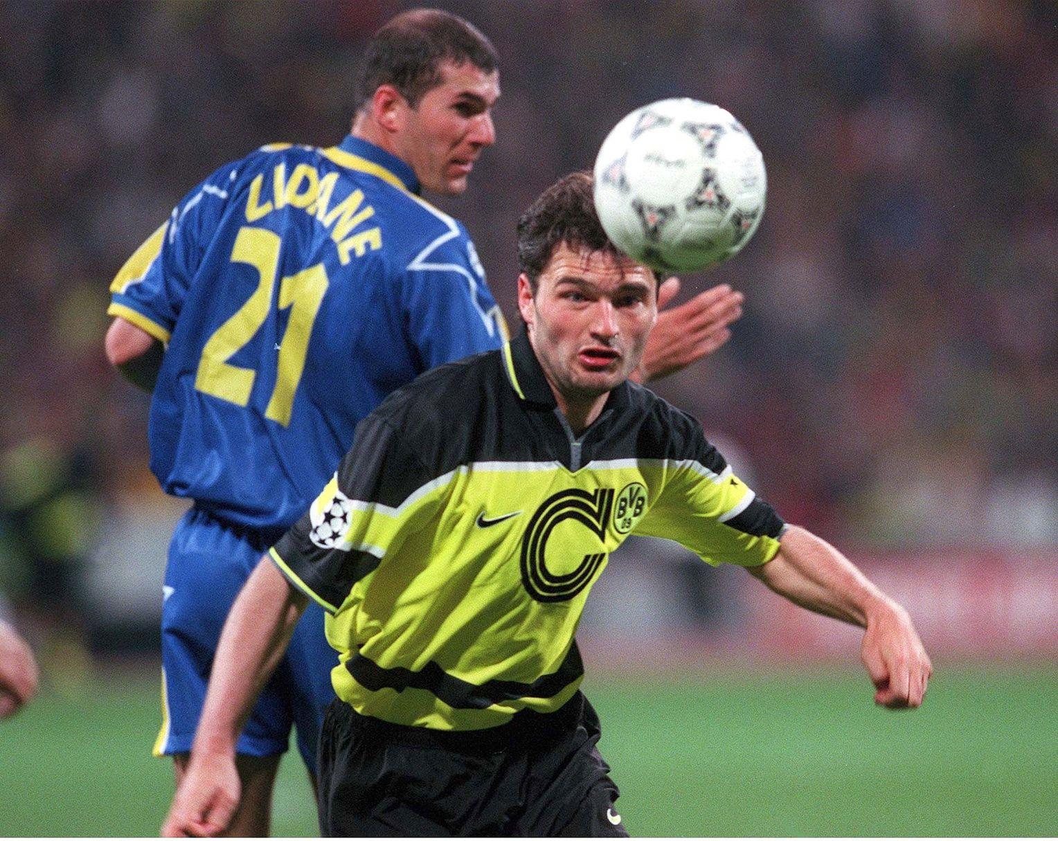 24 года назад Ларс Риккен забил в финале ЛЧ через 16 секунд после выхода на замену. И добил «Ювентус»!