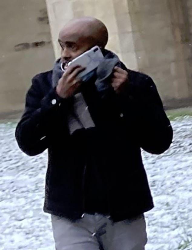 Мошенник потратил 175 тысяч фунтов с карты Мареза: отдохнул на Ибице, купил джинсы Armani и ел в KFC (настоящая роскошь). Игрок заметил только через месяц