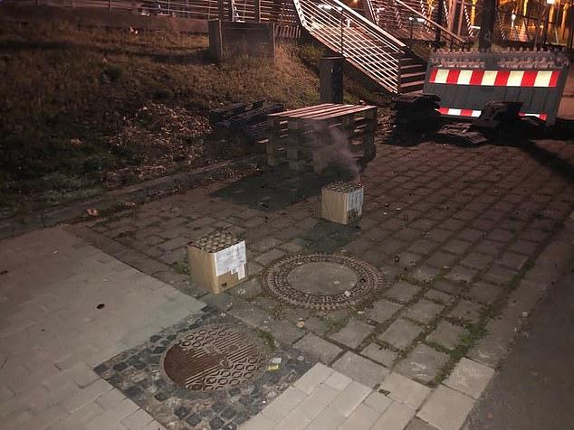 Ультрас «Боруссии» 3 раза за ночь приходили к отелю «Сити»: шумели и запускали фейерверки