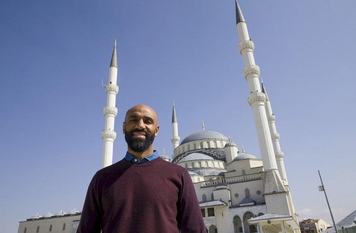 Интересный Кануте: поехал в  «Севилью» из-за мавританской архитектуры (объездил всю Андалусию), Али ставит выше Джордана из-за вклада в общество