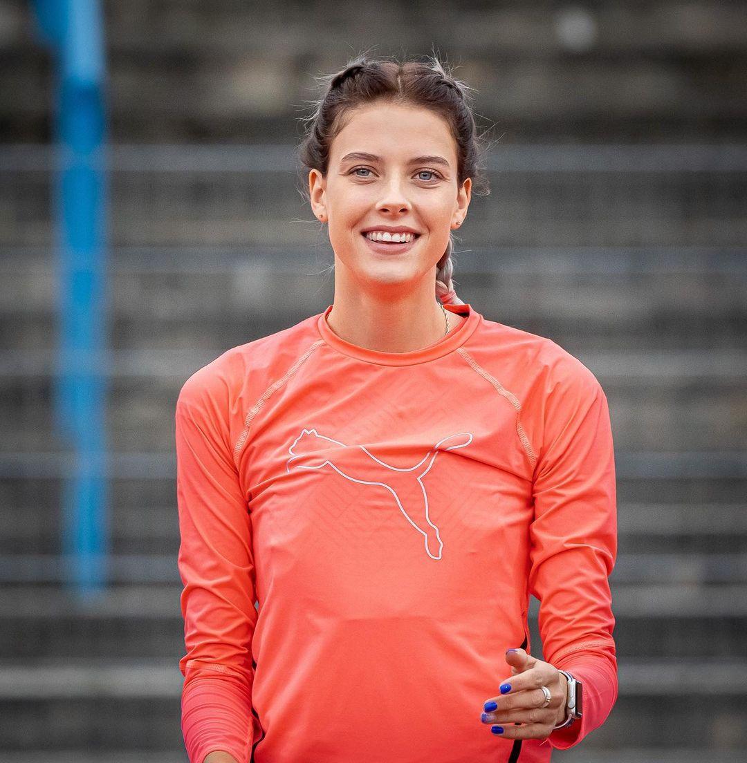Ярослава Магучих – украинская легкоатлетка, бронзовая призерка ОИ. Ее затравили в соцсетях за фотку с Марией Ласицкене
