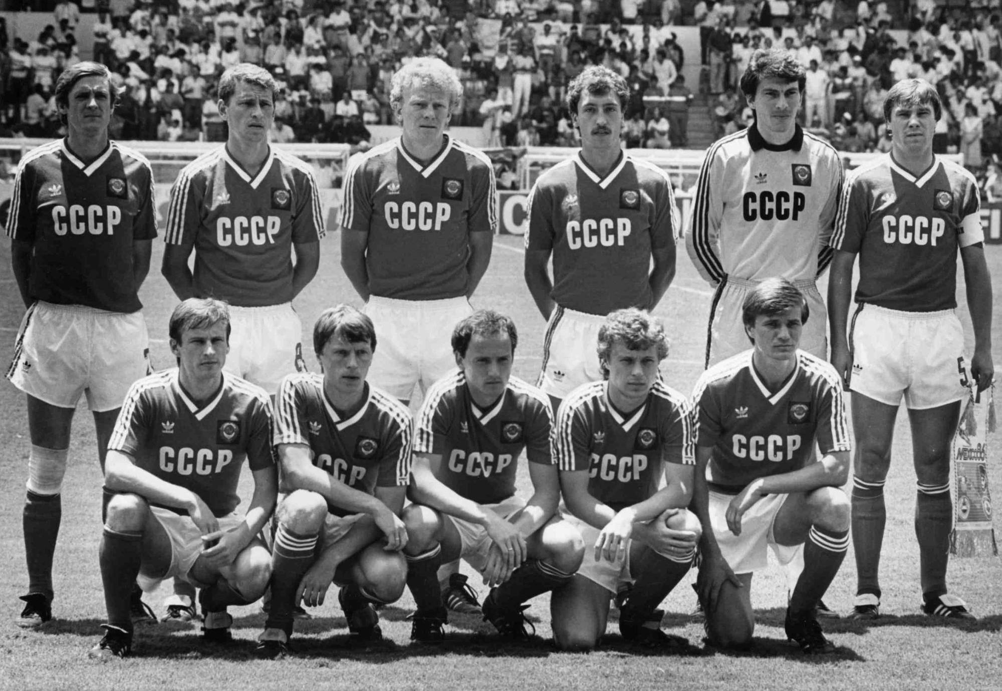 35 лет назад СССР на ЧМ сыграл вничью с чемпионами Европы. Французы были очень довольны этим результатом!